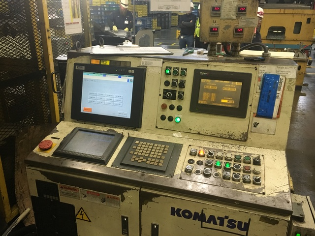 "660 TON KOMATSU SERVO PRESS MODEL HF4-600 STRAIGHT SIDE DOUBLE CRANK PRESS; S/N 10001, 11.81"" - Image 2 of 19"