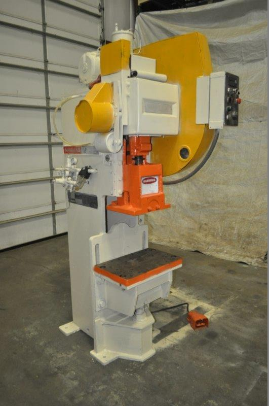 """35 TON NIAGARA MODEL AMB-35 ADJUSTABLE BEND HORN PRESSES; S/N 49359, 24"""" LEFT TO RIGHT X 16"""" FRONT - Image 2 of 9"""