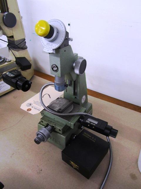 Lot 7 - Isoma Microscope