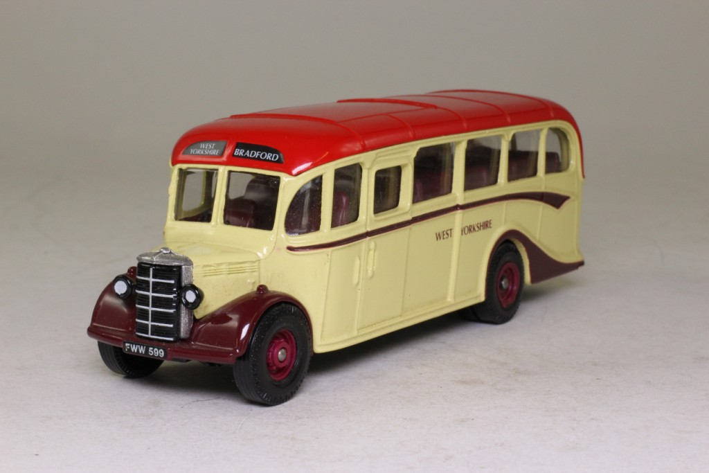 Limited Edition Corgi Bedford OB Coach West Yorkshire - D949/26 - Image 2 of 8