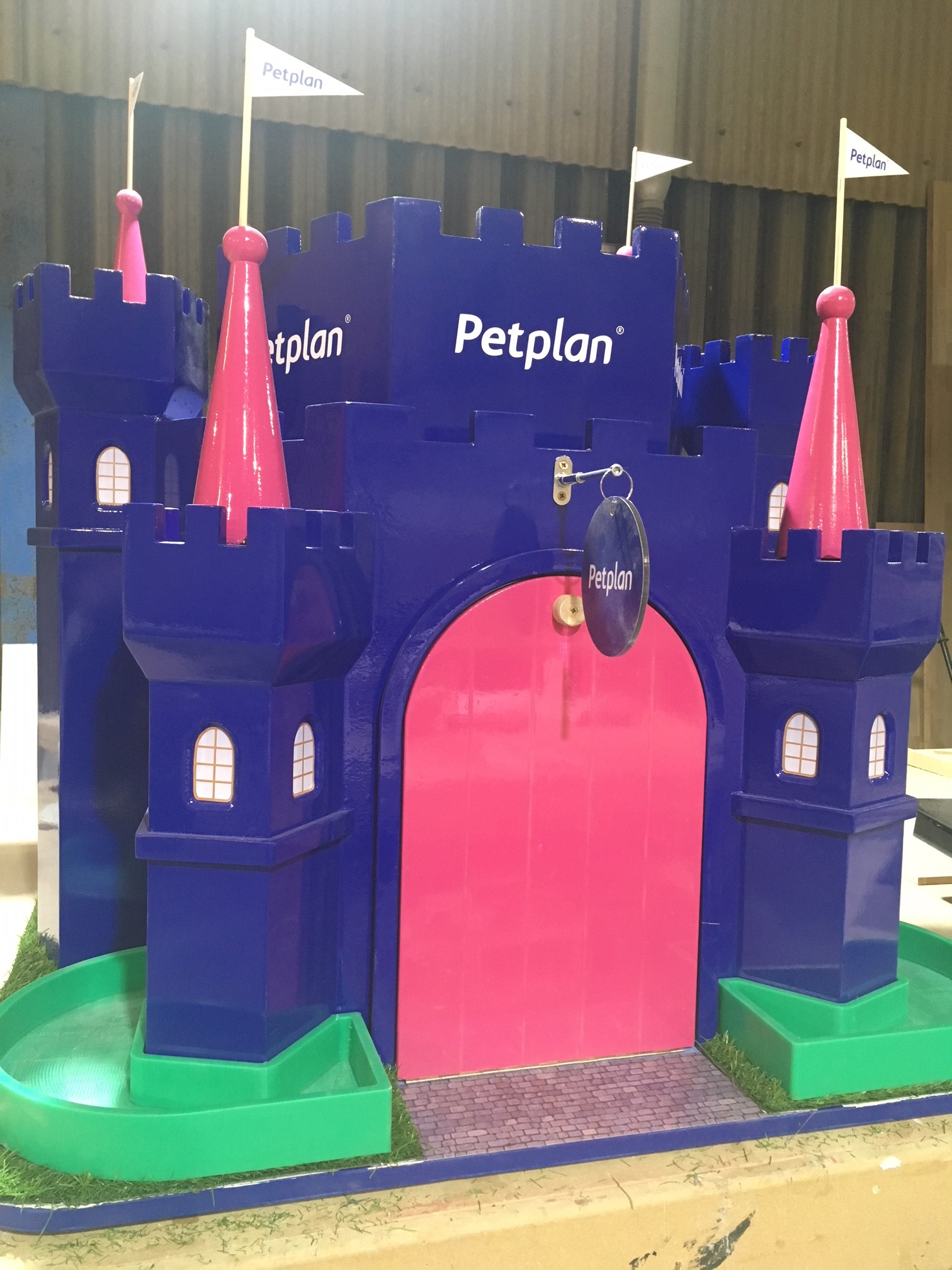 Petplan - Laura D'Alessandro of Henson Franklin - Barkingham Palace - Image 5 of 6