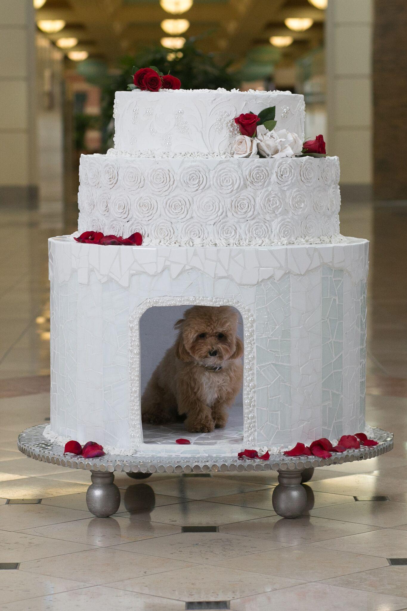 Jeff Monsein - The Royal Wedding Cake House - Image 6 of 9