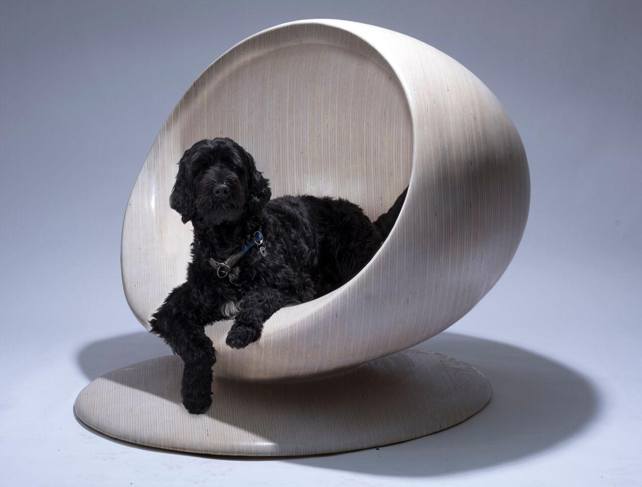 Lot 16 - Cloud Kennel - Patrik Schumacher for Zaha Hadid Design