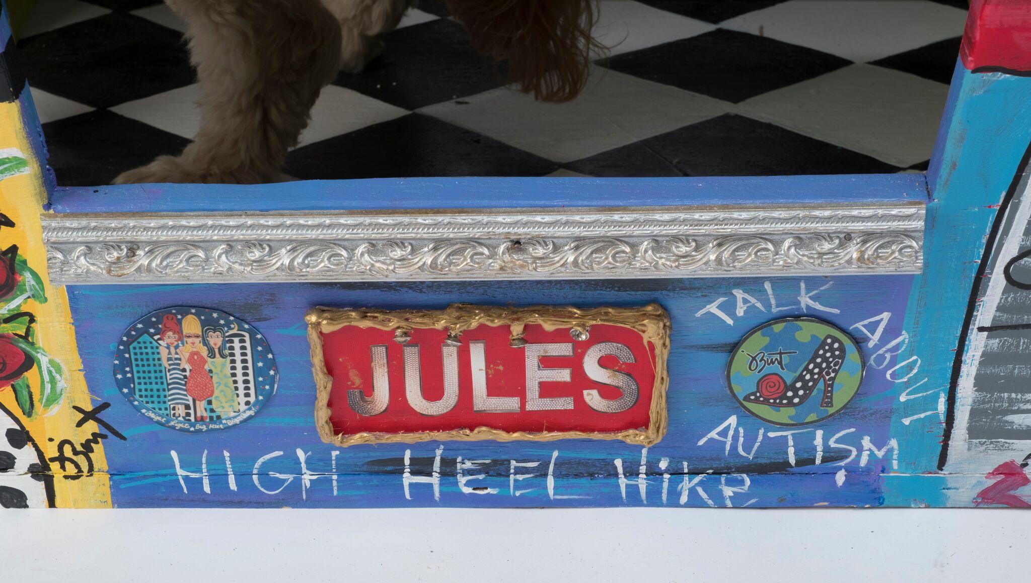 Lot 32 - Jules Burt - Bark Gallery