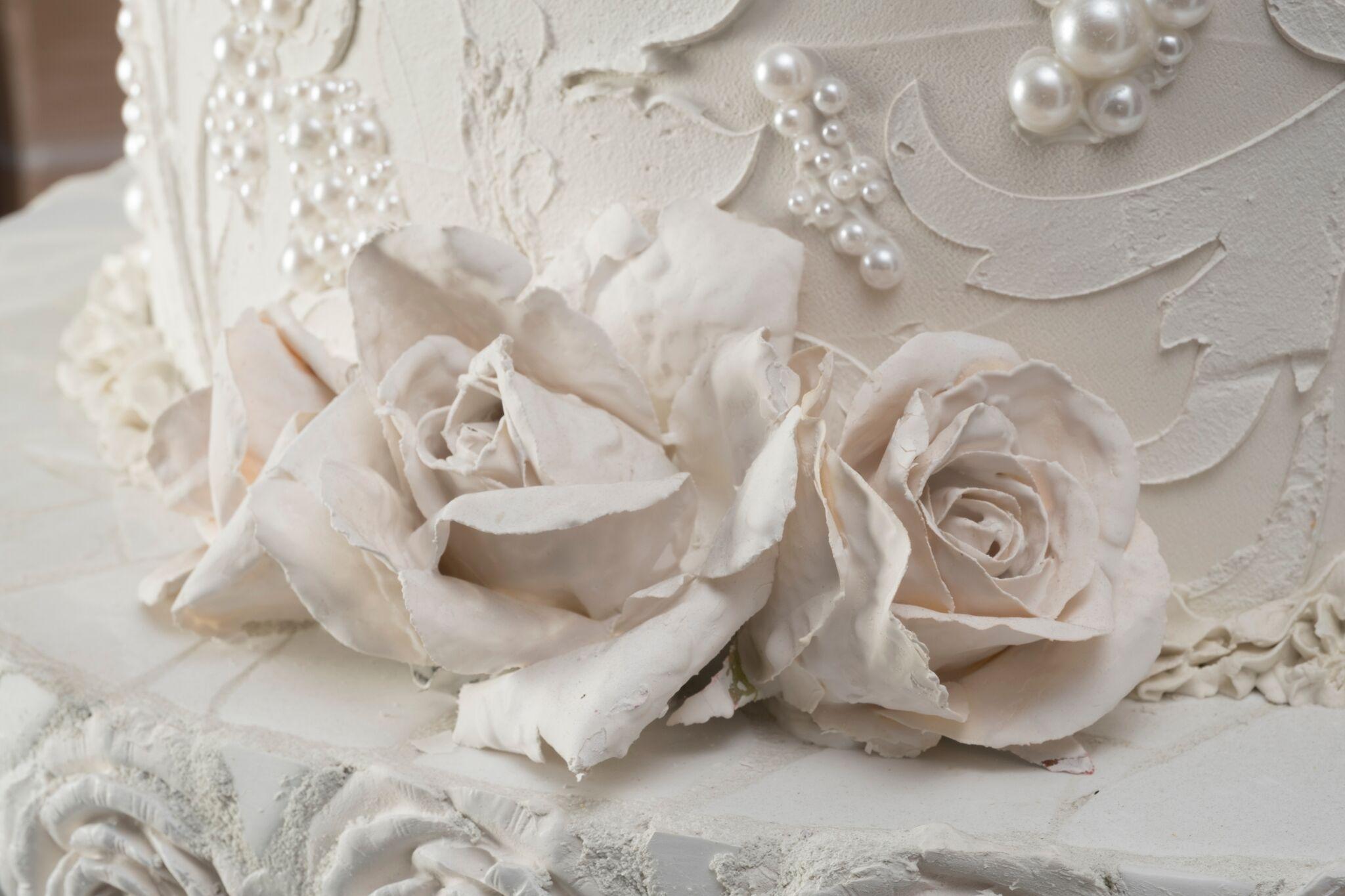 Jeff Monsein - The Royal Wedding Cake House - Image 3 of 9