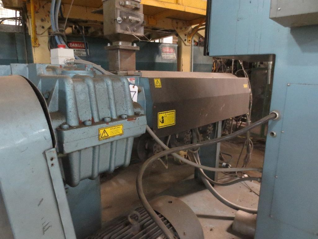 Davis Standard Corp. Extruder With Leeson 40hp Motor & Control Cabinet, M/N SB250, S/N AQ758, Mfg. D - Image 3 of 9