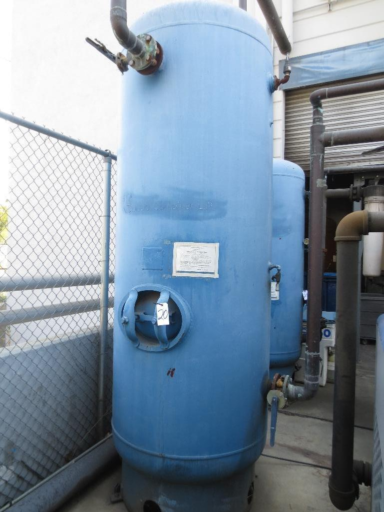 Hanson Pressure Tank, 660 Gal. Mfg. Date 2004