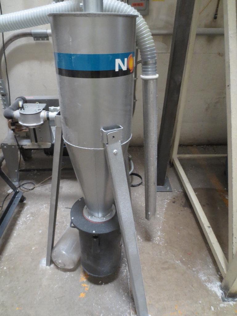 Novatec Vacuum Pump M/N VPDB-7.5 S/N 55203-3910 Mfg. Date 12-14 - Image 2 of 4