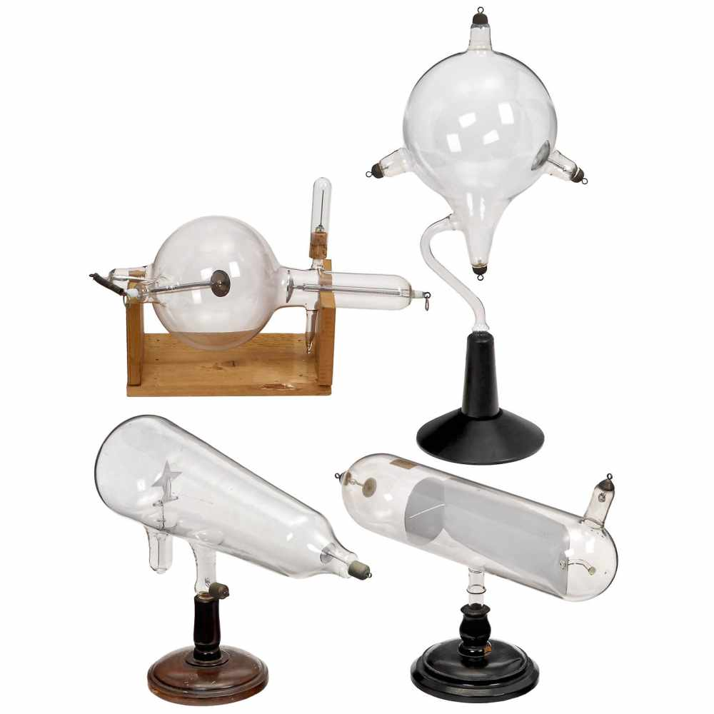 """4 Large Physical Demonstration Instruments, c. 19201) """"Maltese Cross"""", cathode ray tube with"""
