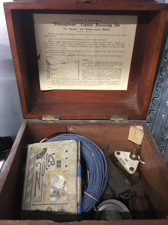 Lot 18 - A 1920's Efescaphone crystal radio set