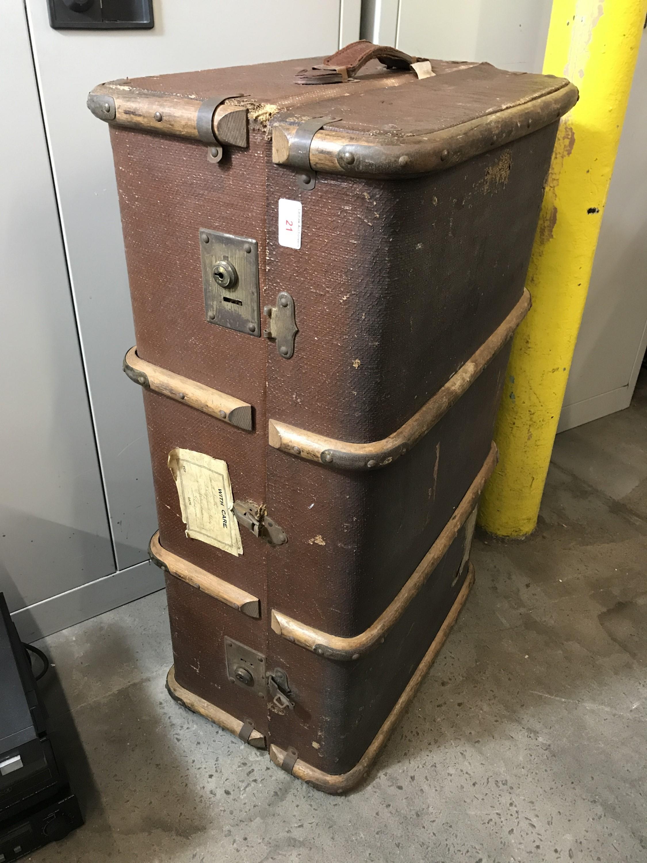 Lot 21 - A vintage cabin trunk