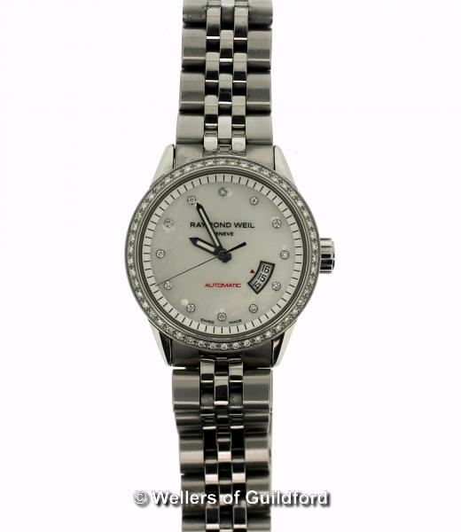 Lot 5005 - *Ladies' Raymond Weil Freelancer automatic stainless steel wristwatch, circular mother of pearl dial