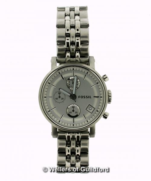 Lot 5040 - Gentlemen's Fossil stainless steel wristwatch, circular silvered dial, with baton hour markers, date