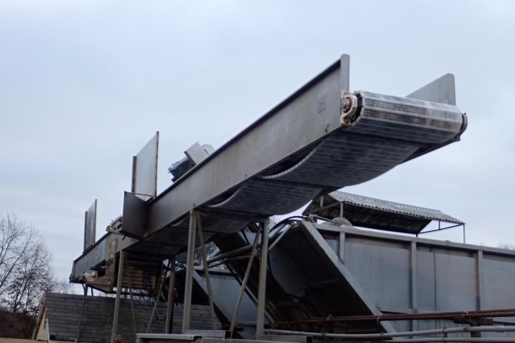 Lot 1005 - Metalcraft SS overhead conveyor, 36 ft. long x 23 in. wide, 120 in. tall, SS frame, SS washdown moto