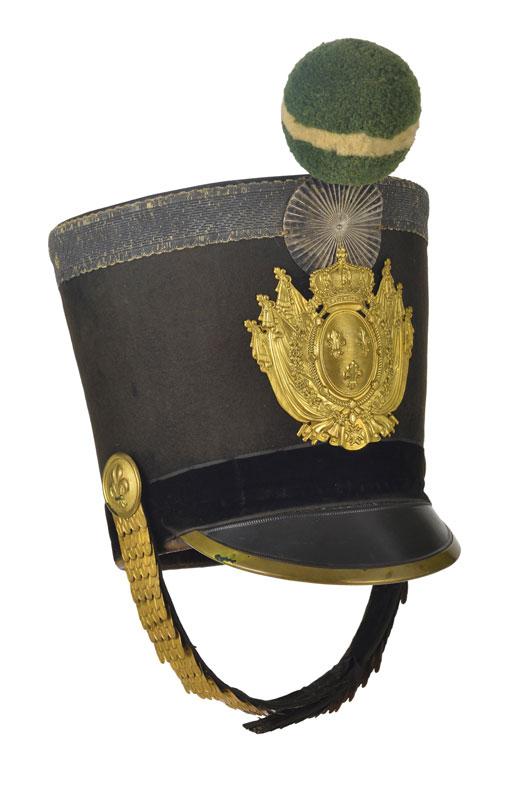 Shako d 39 arm e de la garde royale en carton feutre et cuir for Garde meuble geneve