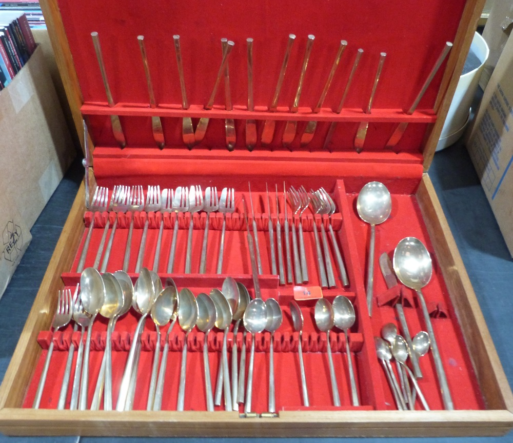 Lot 14 - A canteen of gilded cutlery