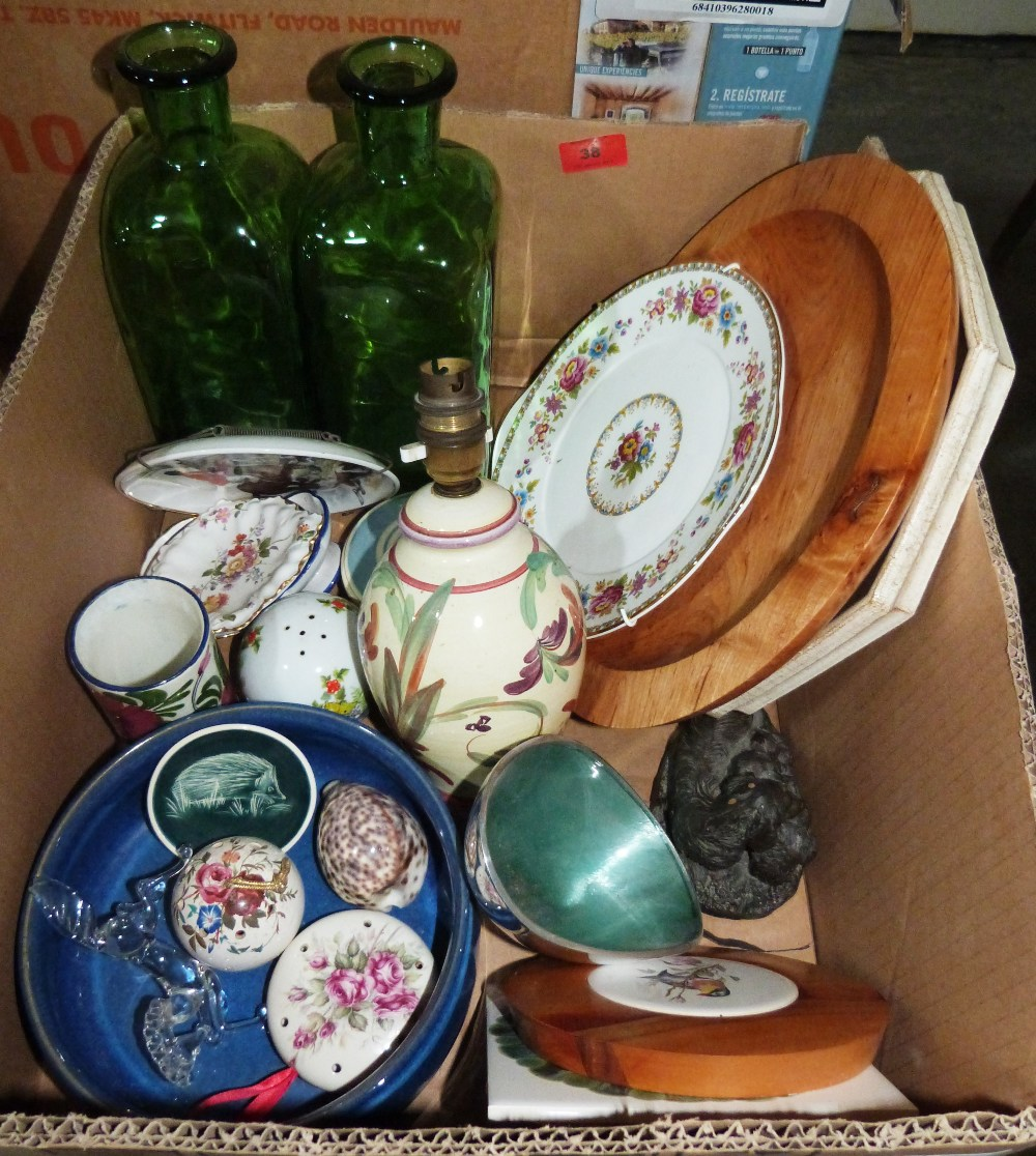 Lot 38 - A box of ceramics and glassware
