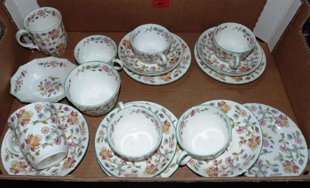 Lot 24 - A box of Mintons Haddon Hall ceramics