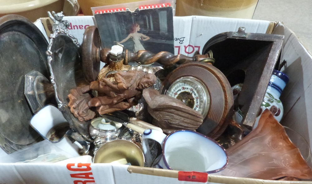Lot 18 - A box of sundries