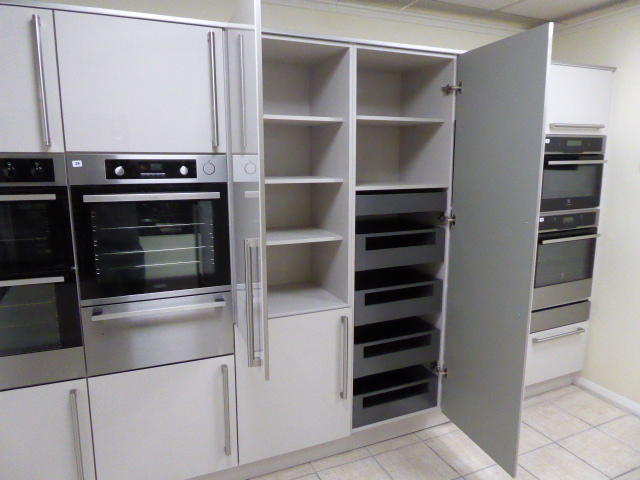 Lot 17 - A Roma Cashmere run of kitchen wall units, 360cm ( appliances not included ) (Located at the Lincoln