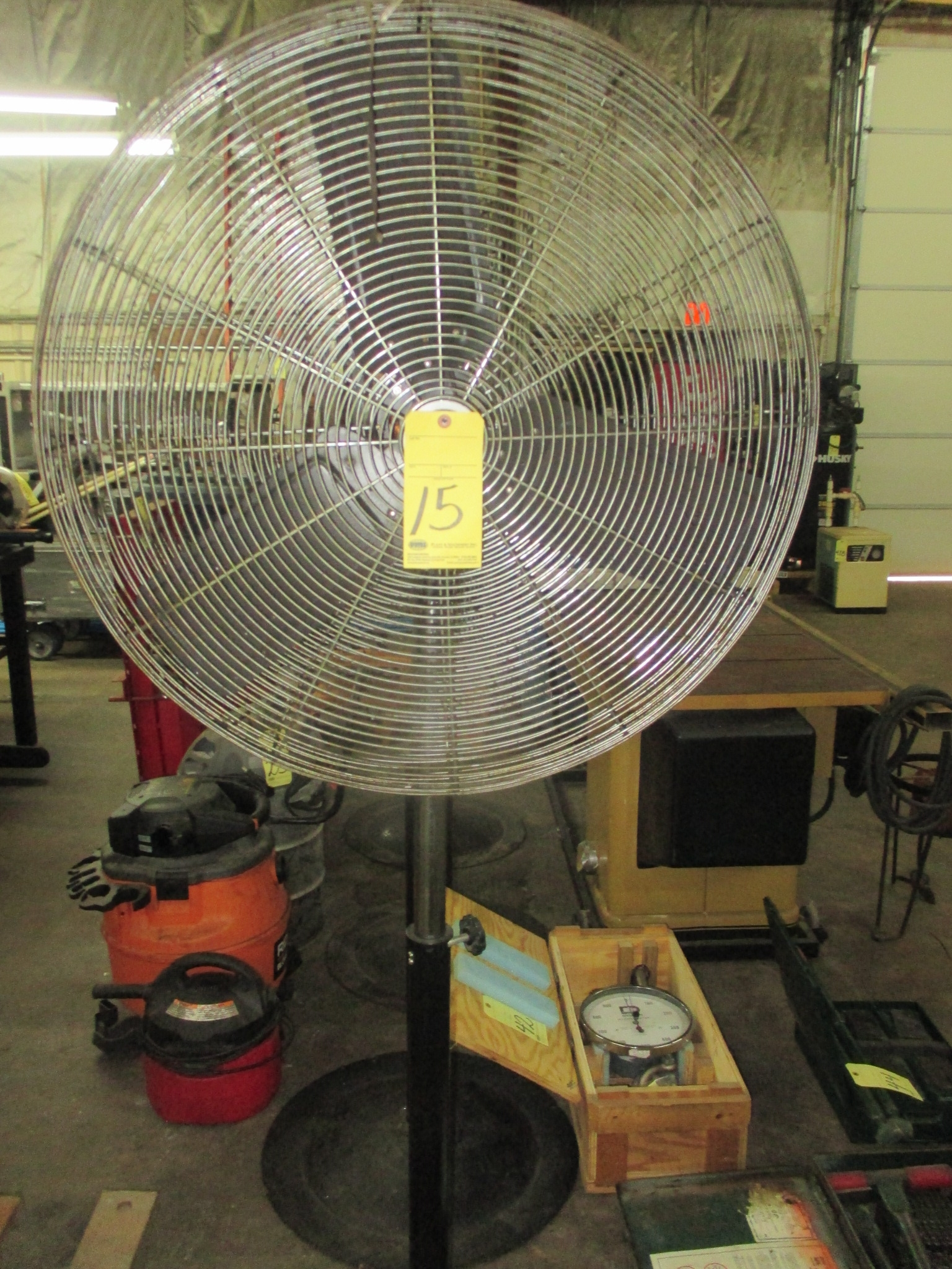 Lot 15 - PEDESTAL SHOP FAN, FLOW PRO 30""