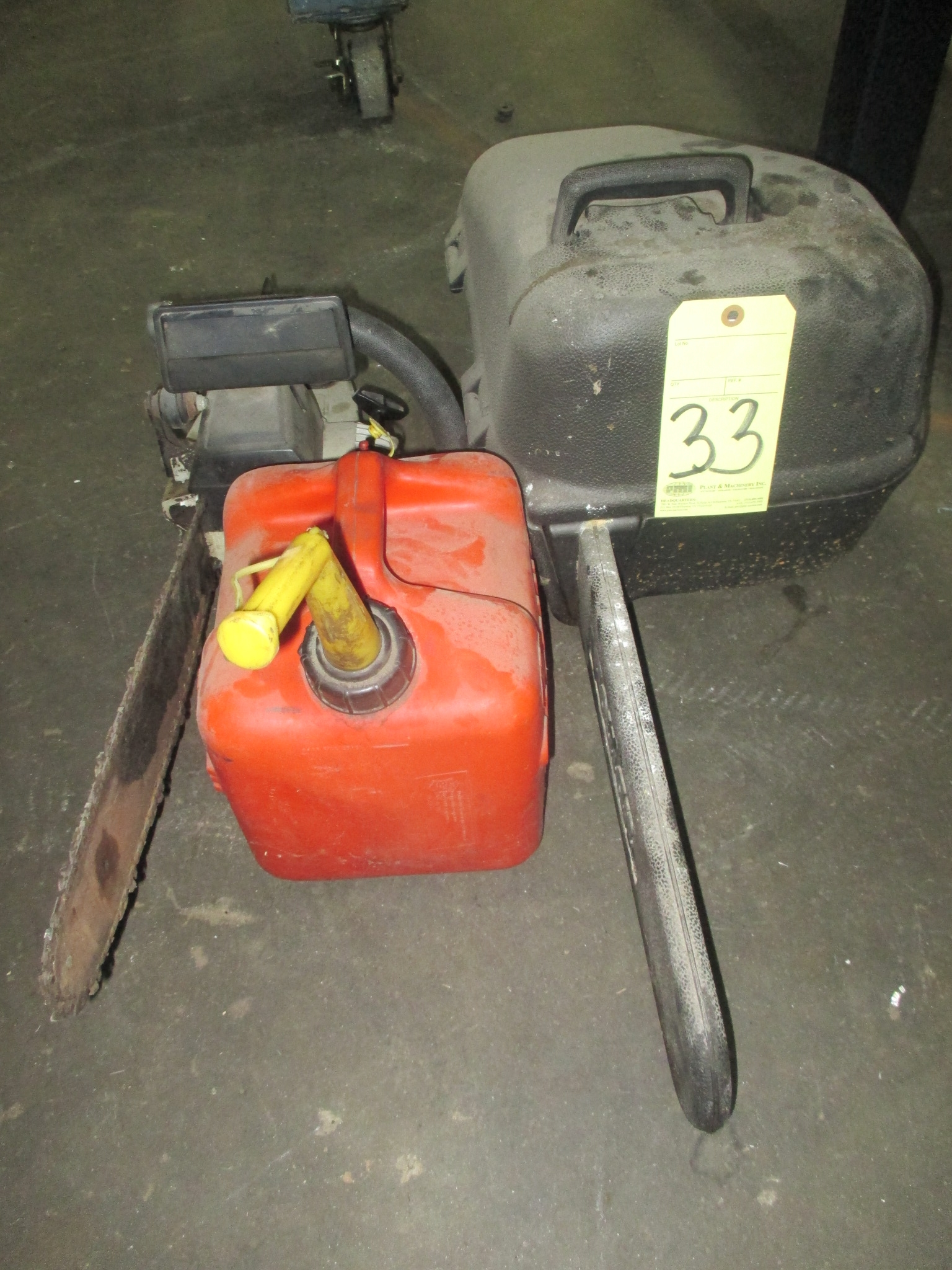 Lot 33 - LOT CONSISTING OF: chain saws & weed eater