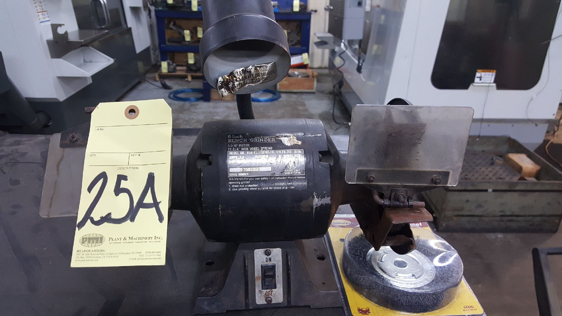 Lot 25A - DOUBLE END GRINDER, 1/3 HP