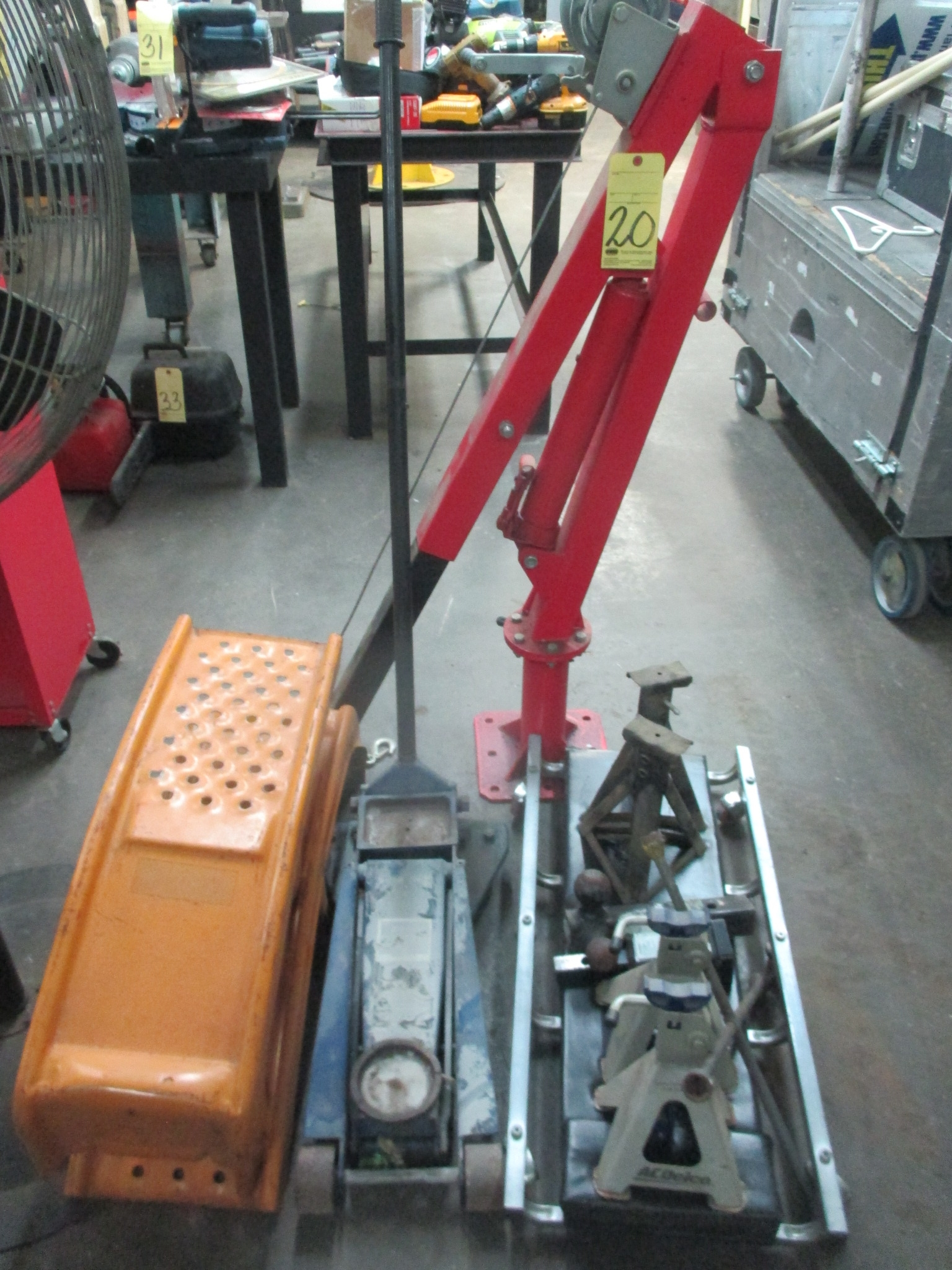 Lot 20 - LOT CONSISTING OF: truck jack, lifts, stand, creepers, truck hoist