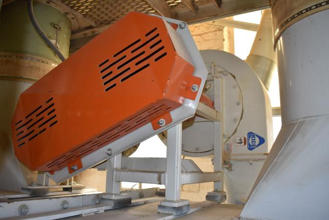 Dust Collector 7-Bay System Includes KICE Blower - Image 4 of 6