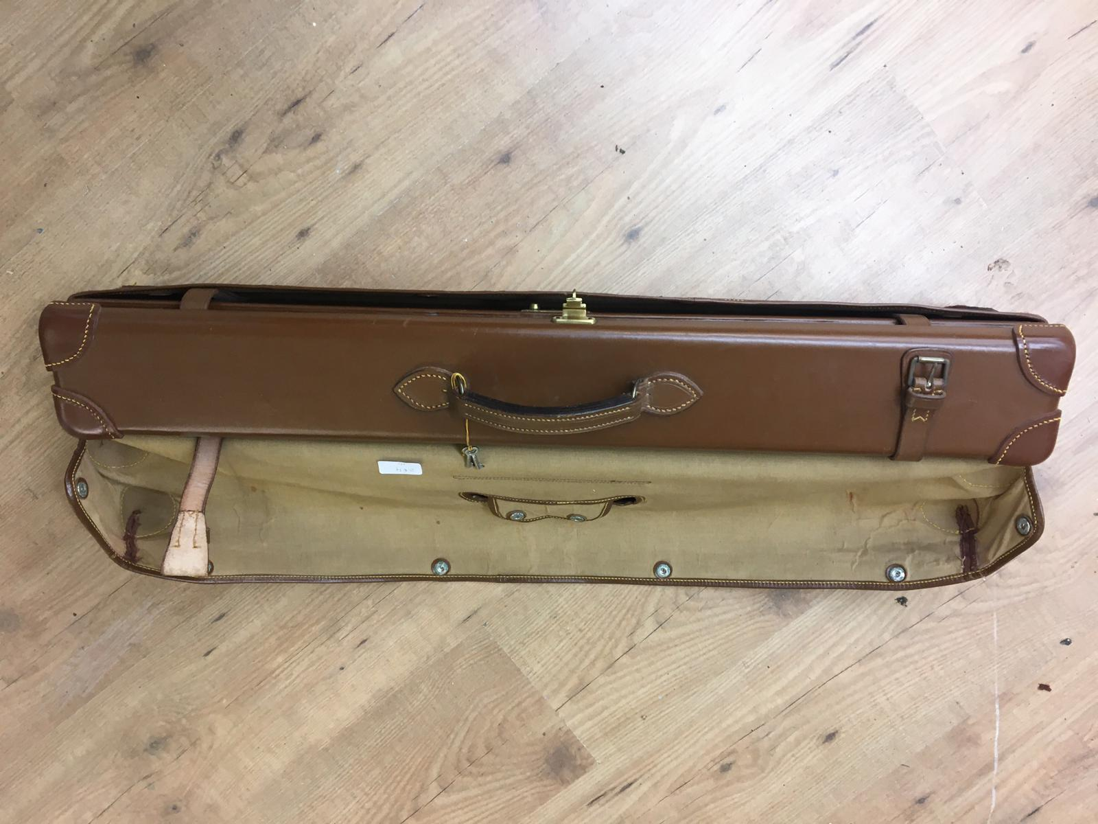 Best English quality leather shotgun case with James Purdey and sons label,in outer cover, will taje - Image 2 of 4