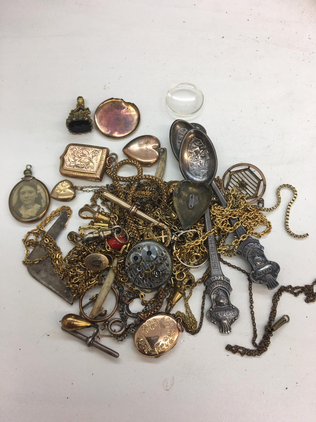 Qty vintage jewellery to inc 9ct gold and front lockets , fob etc.
