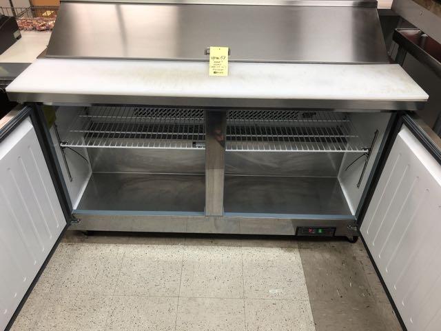 """Table de préparation réfrigérée, compresseur intégré, 2 portes MKE # IMK SR 61"""" - Image 2 of 4"""