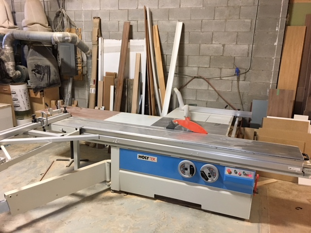 Lot 33A - HOLITEK 10' Sliding Panel Saw, mod: P-32 - Financial Recovery Asset - Purchased in 2016 - $13,950