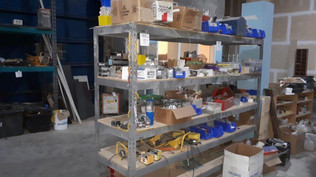 Lot 12 - Metal Shelving Unit