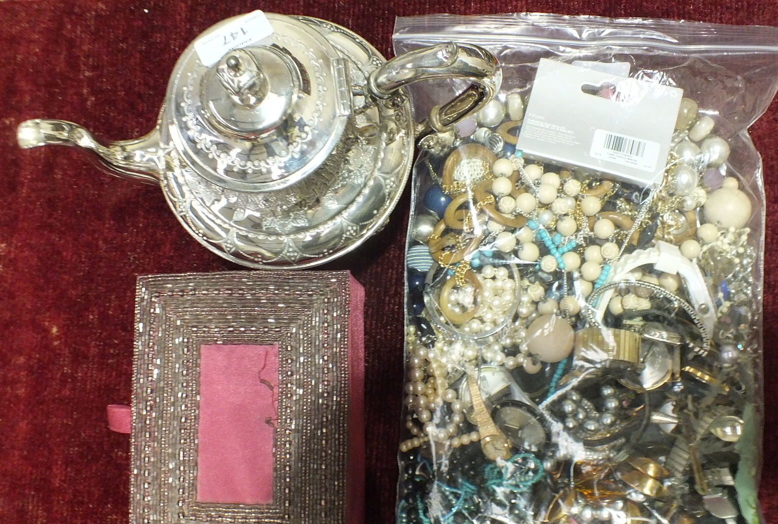 Lot 147 - A collection of costume jewellery, watches and miscellanea.