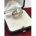 UNUSUAL 1.50ct DIAMOND RING SET IN GOLD