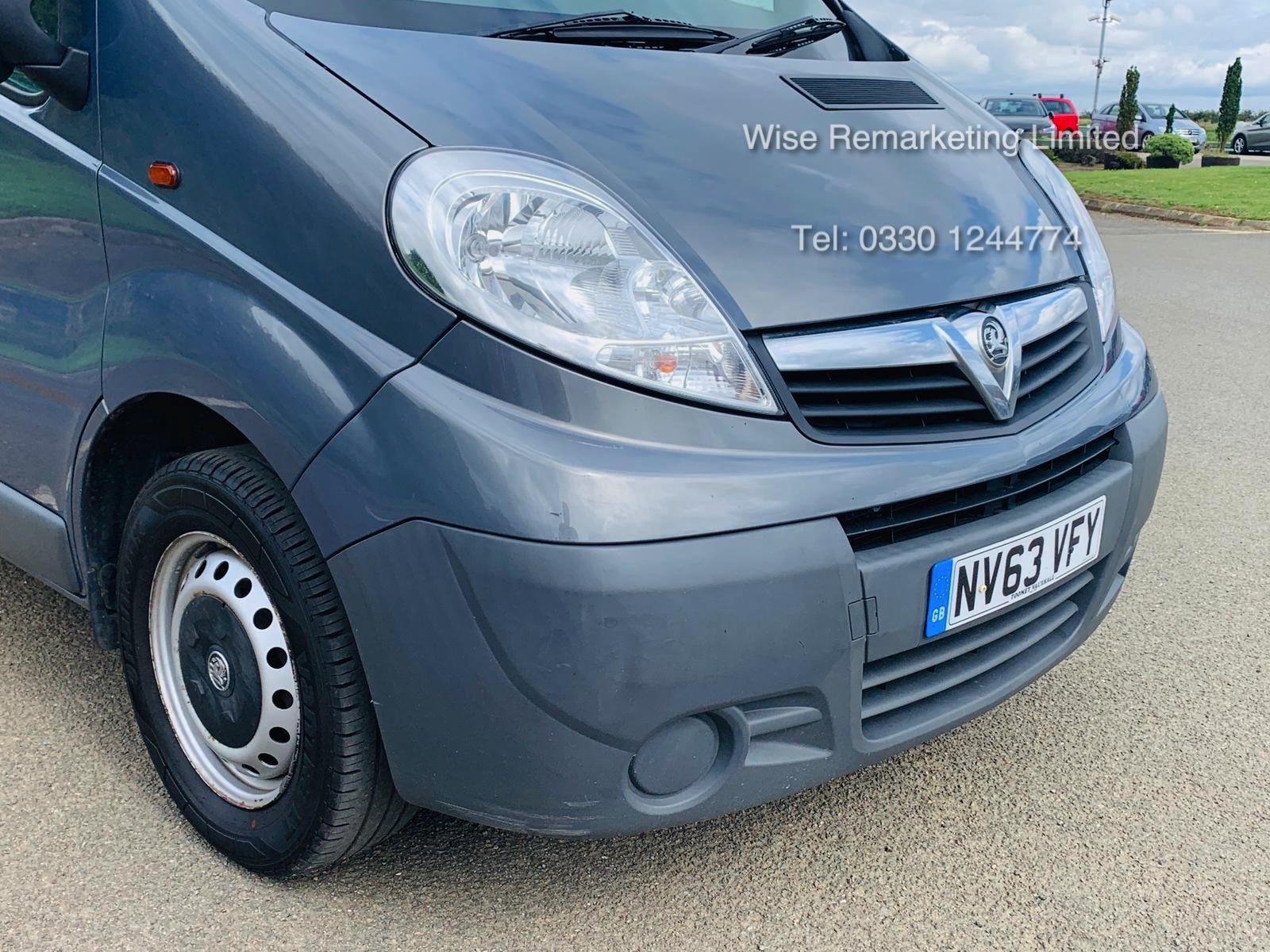 Lot 8 - Vauxhall Vivaro 2.0 CDTI 2900 Minibus - 2014 Model - Wheel Chair Access -1 Owner From New -History