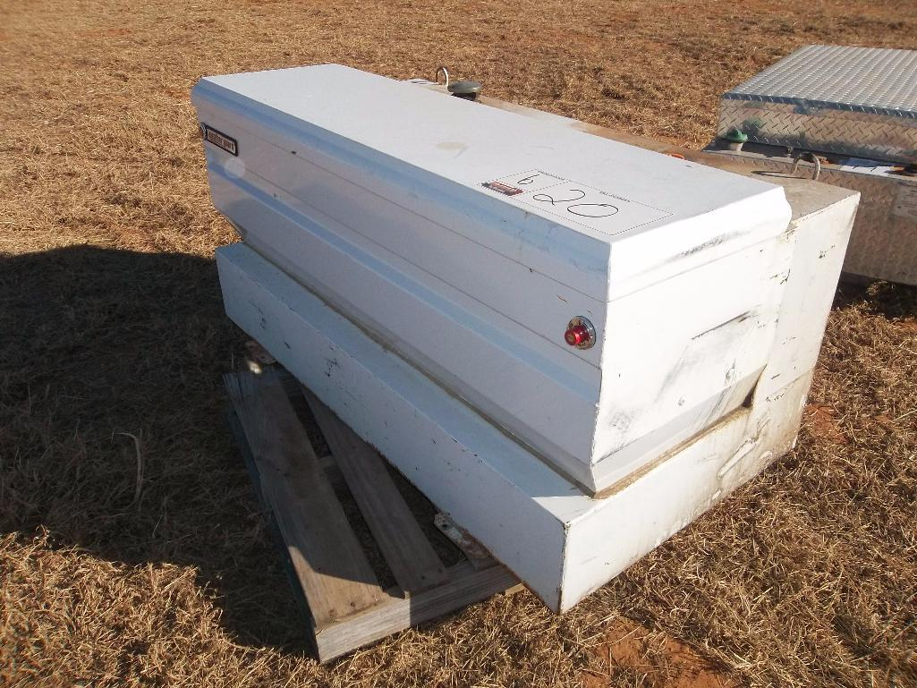 Lot 20 - Fueltank/Toolbox Combo