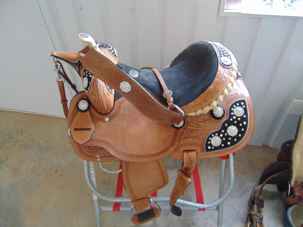 """Lot 51 - West Coast Saddle 15"""" Seat (new)"""