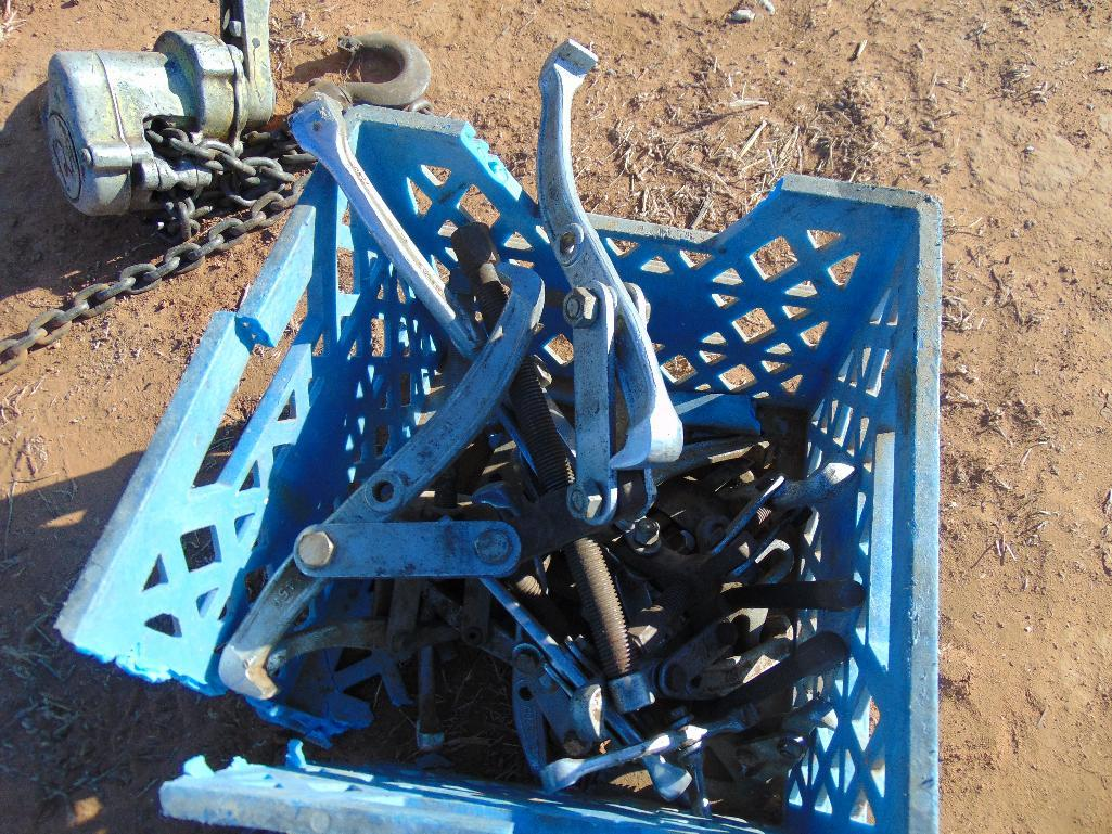Lot 11b - Assorted Pullers,