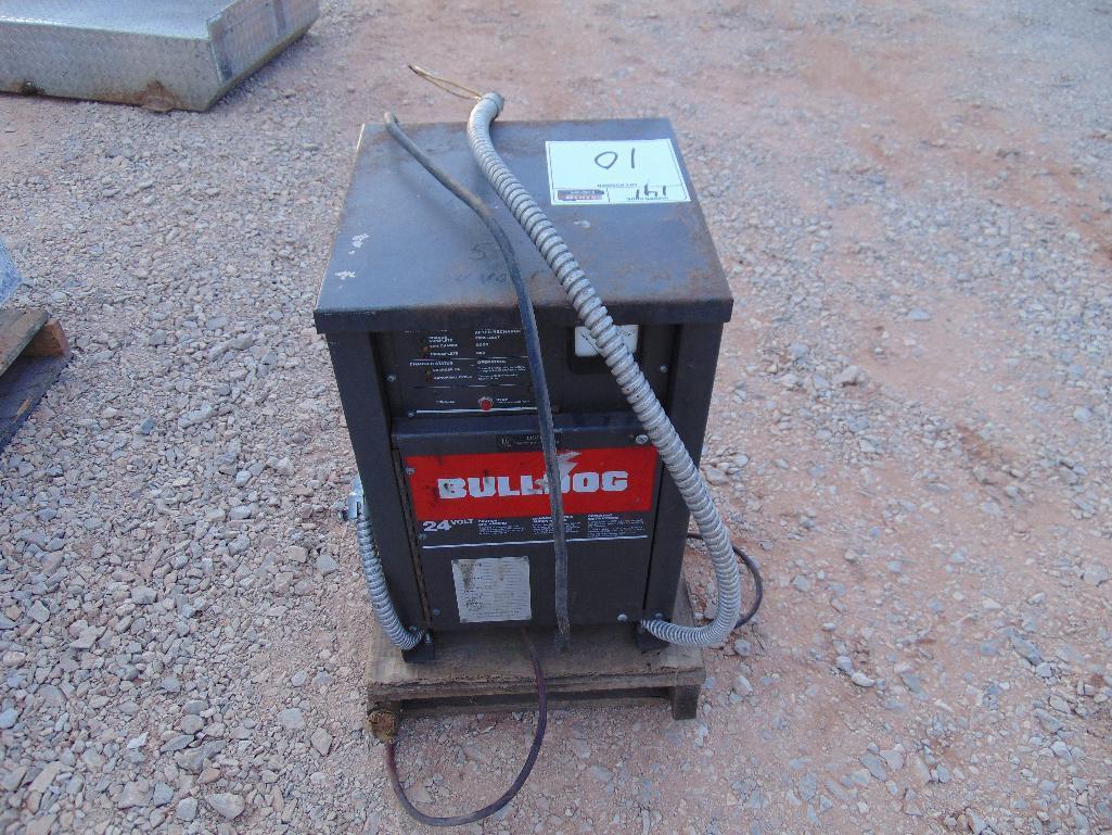 Lot 10 - Bulldog 24 volt Battery Charger s/n f9599