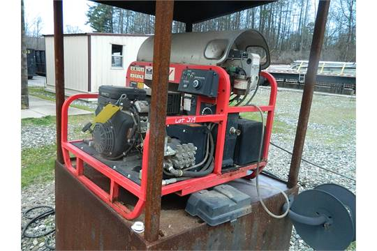 HOTSY STEAM CLEANER PRESSOR WASHER, 16 HP BRIGGS & STRATTON