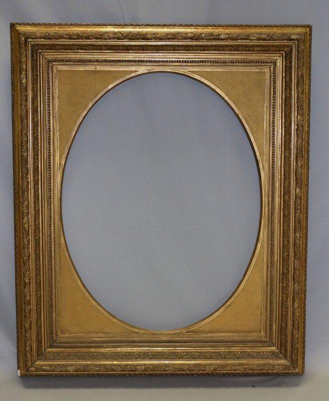 Großer goldener Bilderrahmen mit ovalem Ausschnitt und stilvollen ...