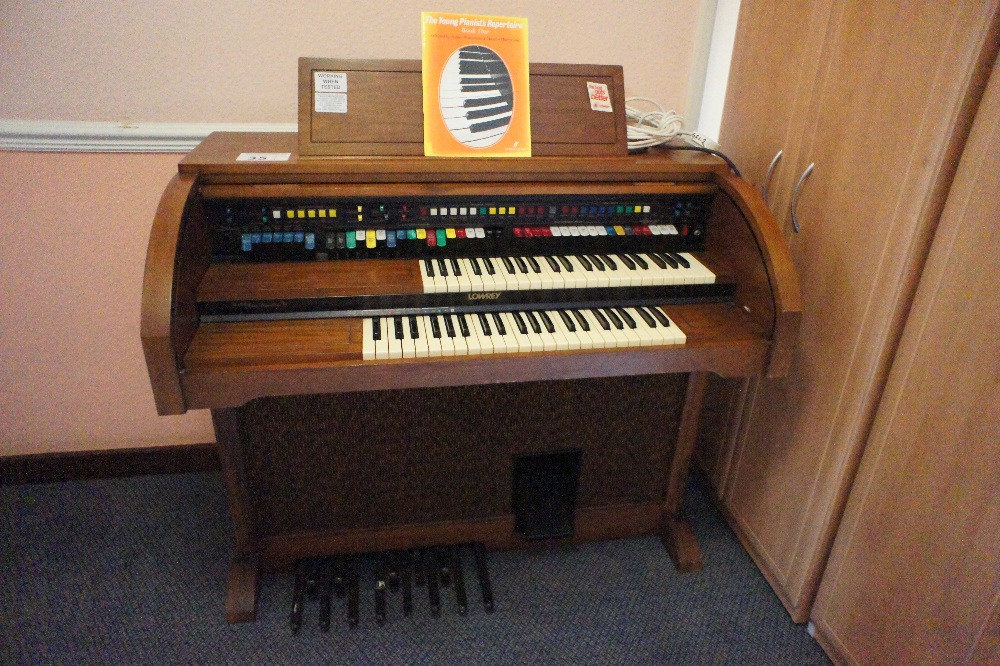 Lot 35 - 1 LOWREY double keyboard electric organ with switch and button array and pedals (located in room 16,