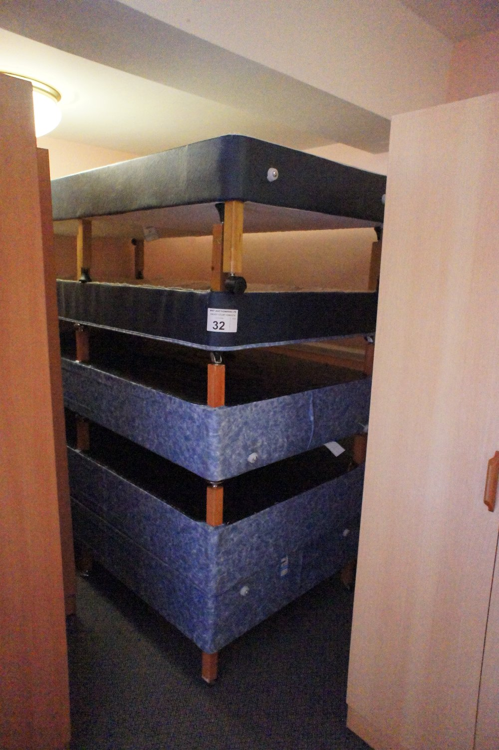 Lot 32 - 5 single divan bed bases (no mattresses) (located in room 16, Davey Court)