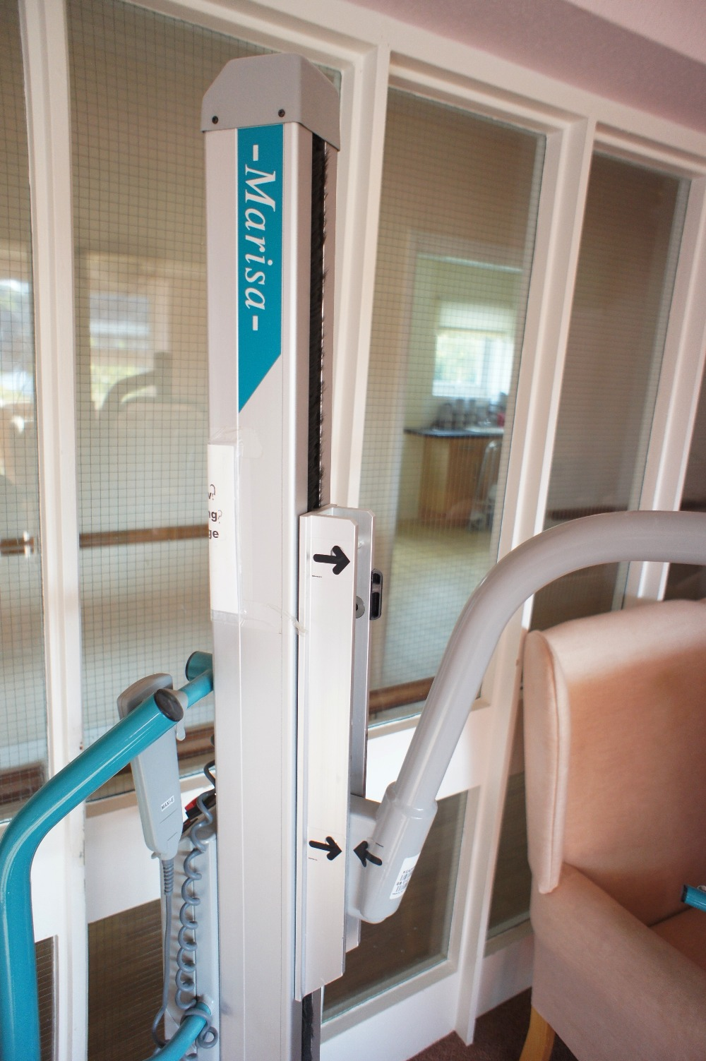 Lot 51 - 1 ARJO Marisa electrically operated a patient hoist/lift (located in room 18, Davey Court)