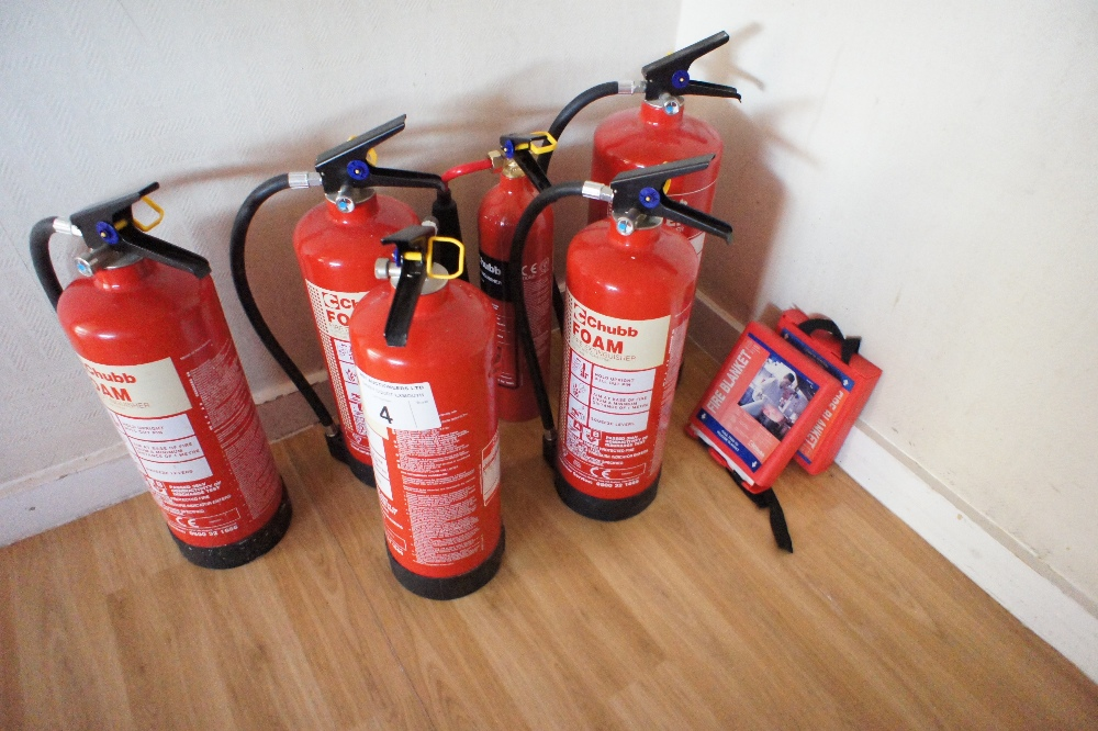 Lot 4 - 6 various fire extinguishers and two fire blankets (located on landing, Davey Court)
