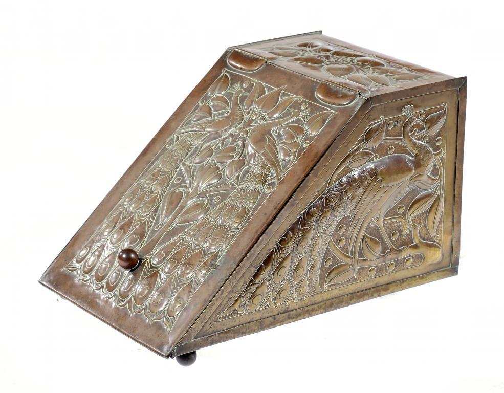 Lot 3 - AN IRISH ARTS & CRAFTS REPOUSSÉ BRASS COAL BOX, FIVEMILETOWN ART METALWORK CLASS, DESIGNED BY JOHN