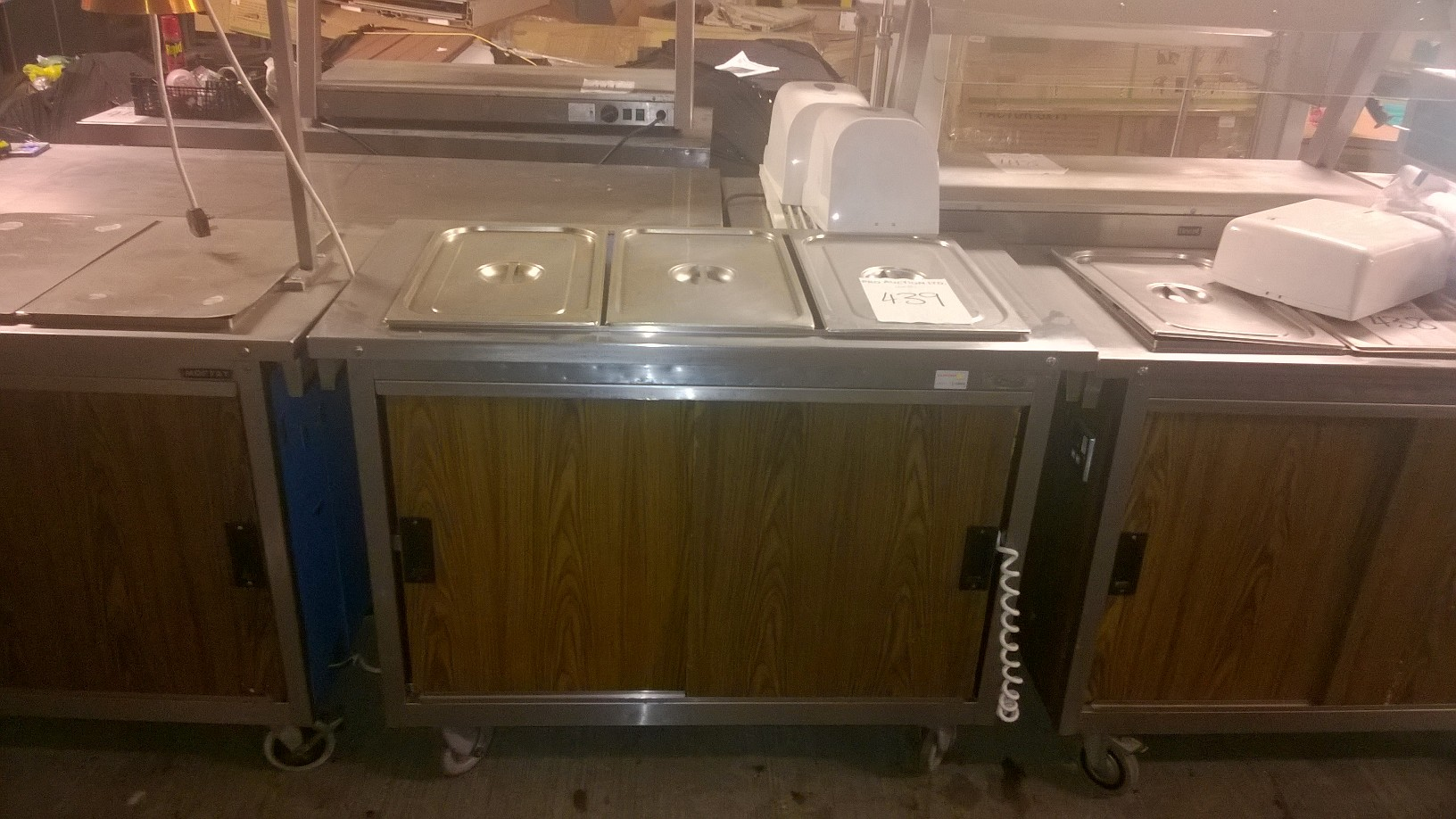Lot 5 - Moffat Heated display cabinet Heated display cabinets (no lamps) 1200 x 640/880 x 1530mm V/Ph/Hz.