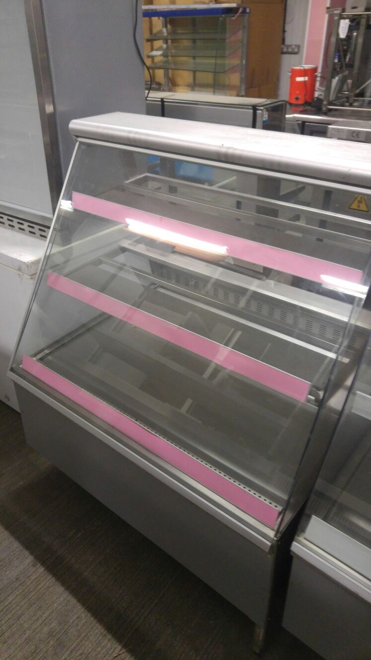 Lot 22 - Display unit Refrigerated serve over counter Refrigerated Serve over cabinet with under storage.